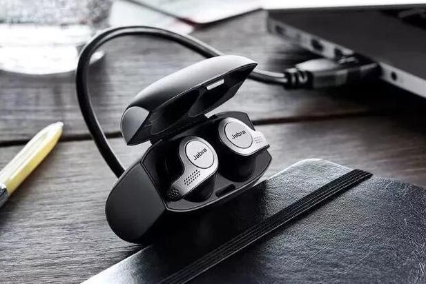 热爱音乐的你也该给自己送份礼物了 几款出色的耳机推荐给你