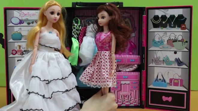 超人气玩具芭比娃娃的粉色衣柜过家家亲子游戏