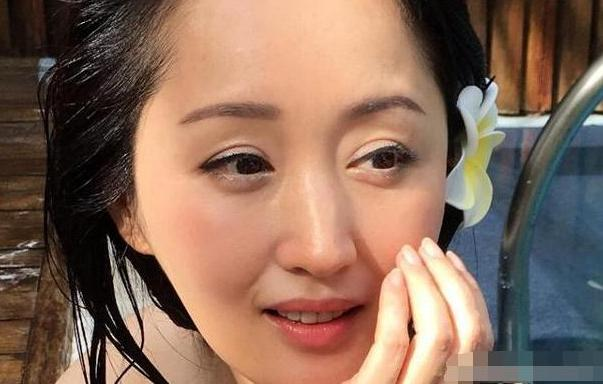 带你看看杨钰莹住的豪宅,内部布置少女心十足,连墙面都是粉色的