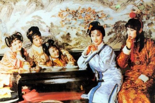 宝钗如愿嫁给宝玉,王夫人却后悔莫及,开始想念黛玉