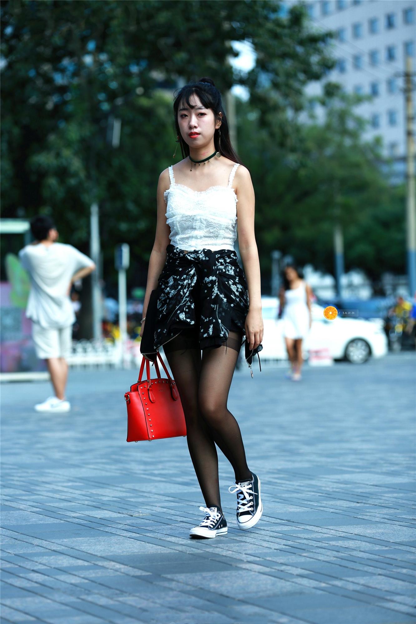 粉色短裙的白丝搔货_小学生凉鞋配丝袜-粉色凉鞋配白丝袜图片大全