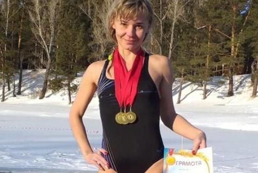 泳装照引家长不满,俄教师被批后辞职!引发热议,教师们表达不满