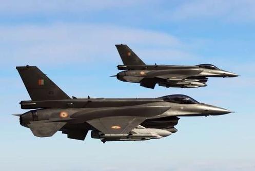 洛马兜售F-16竟惨遭白眼,大国直言:你这玩意连米格-21都打不过