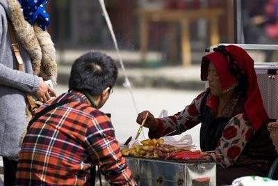 """吃一次等于喝3次马桶水!7成人或还在吃的""""污垢"""",尽早扔掉为好"""