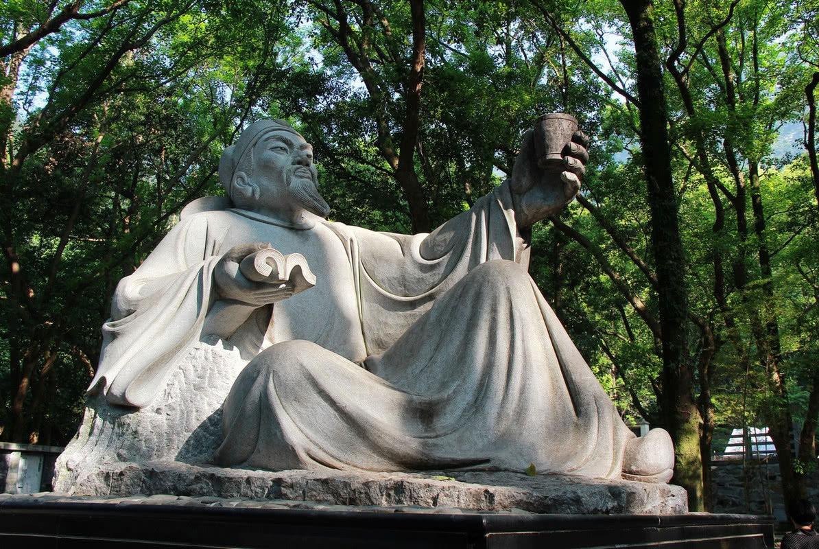 少数民族美女吃了一种食物之后怀孕,生下了诗仙李白
