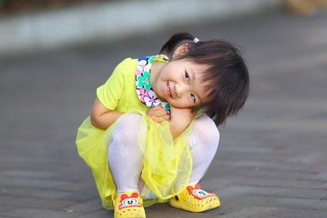 培养女儿只为嫁人?父母别想错了,这样养女儿,不嫁人也能幸福