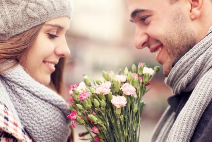 恋爱中,已婚女人对你心动的这些暗示,哪怕有一个也别不解风情