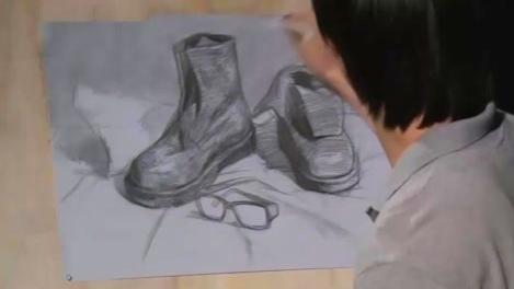 「国君美术」刘雪松人物速写坐姿_速写教学视频