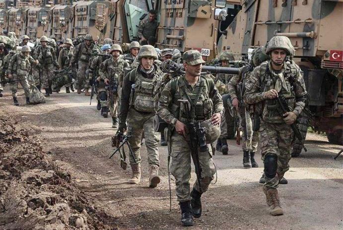 土耳其软硬兼施!不给美军留任何退路,俄军发现情况不妙火速增援