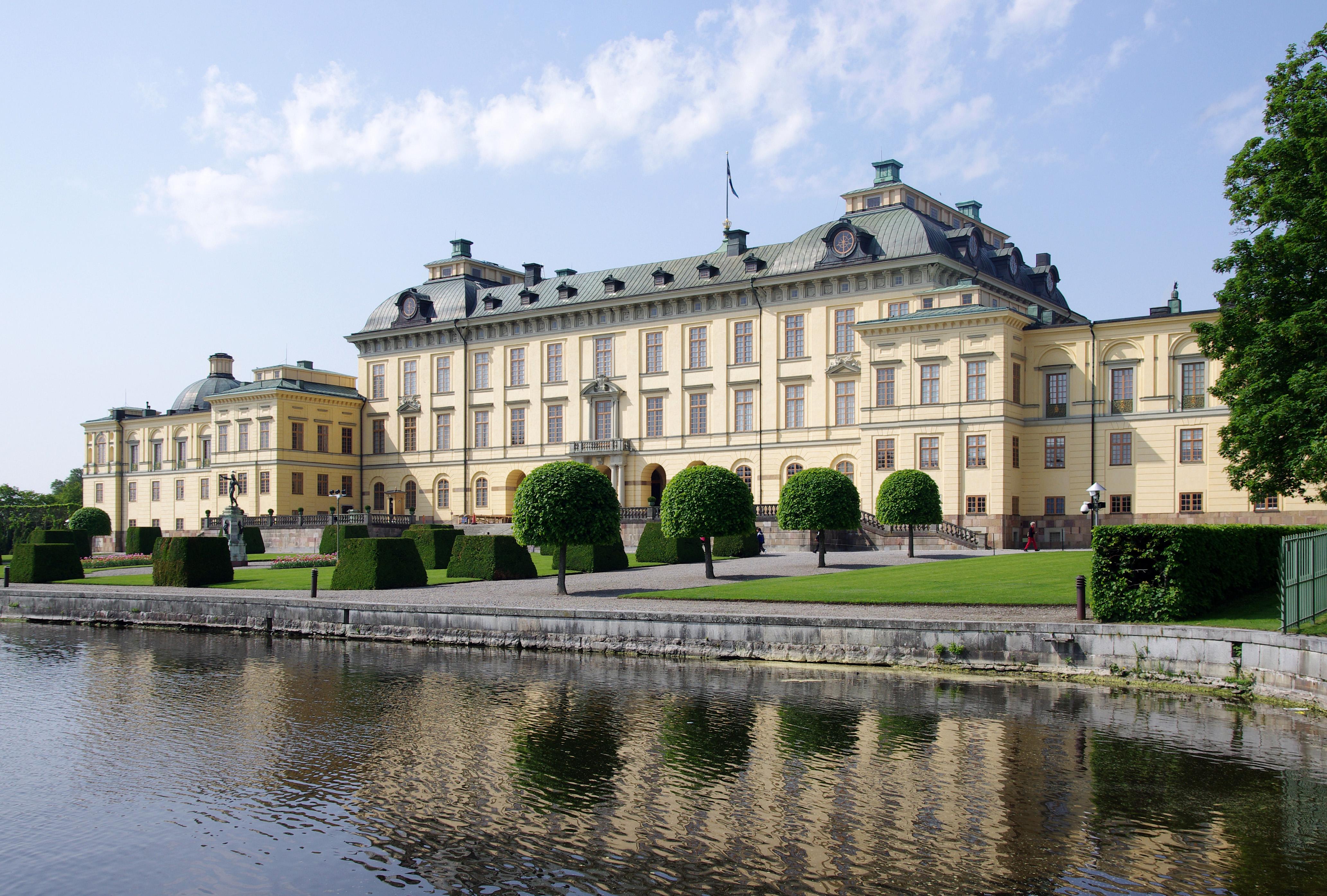 皇后岛宫殿的南配楼现在仍是瑞典皇室居所.