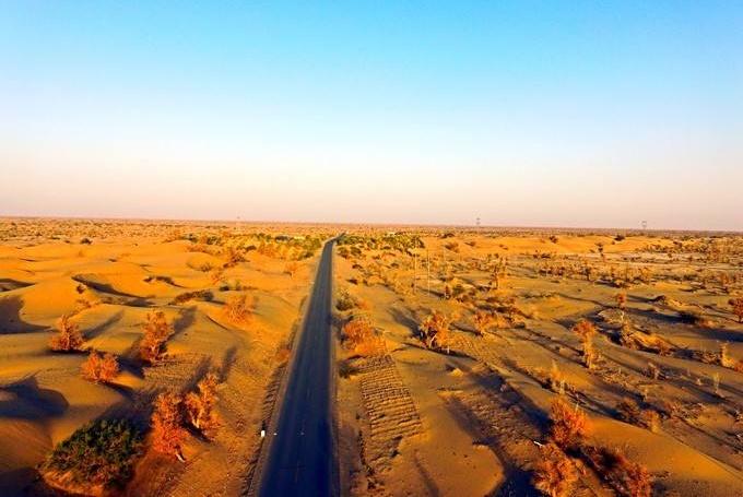我国沙漠腹地蕴含360亿吨水资源,当地人无解,找来专家方得结论