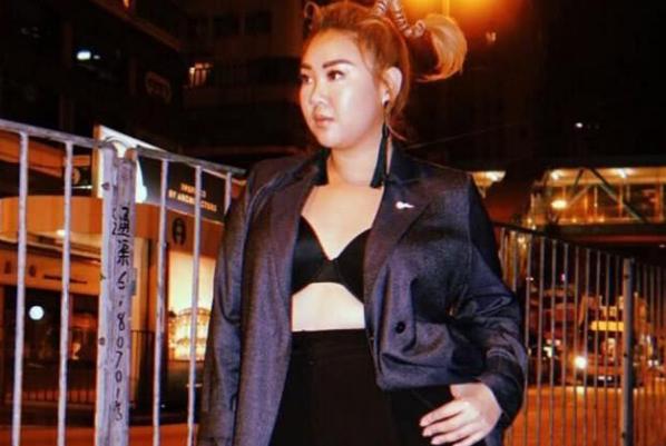 胖回180的郑欣宜,穿着大胆在街头秀身材,网友:美貌与胖瘦无关