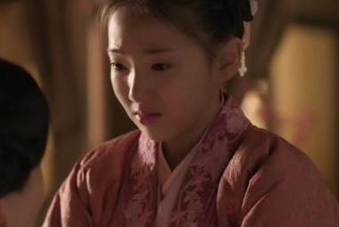 """10岁饰演""""白娘子"""",11岁扮演""""貂蝉"""",今13岁参演""""知否""""大火"""