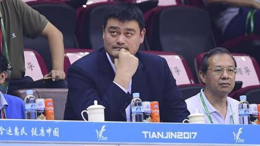 姚明09年2000万收购上海男篮17年出售,他8年赚了多少钱?