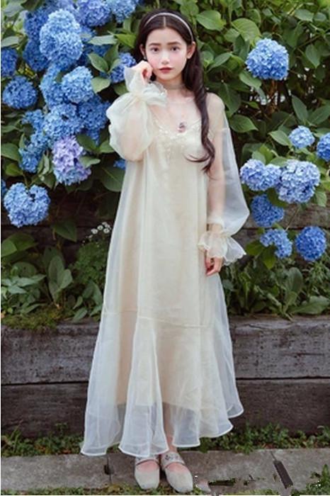 娆х編娆插浜轰綋鑹烘湳鍥65533_青春靓丽的小仙女,穿一件白纱长裙仙气娆娆,散发迷人