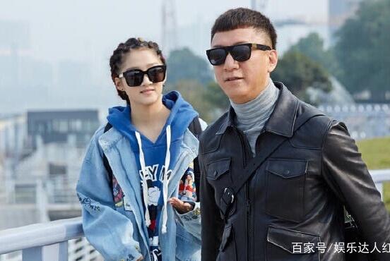 他是征服里刘华强得力杀手,一个群演逆袭成名成为导演眼里的宝贝