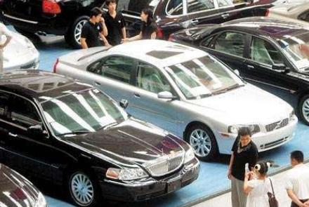 为啥年底4S店销售只买低配车?从他们嘴里听到实话:买高配亏大了