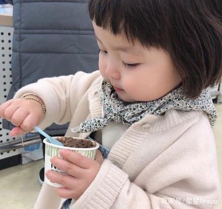 韩国的人气小萌娃-罗熙的穿搭日常
