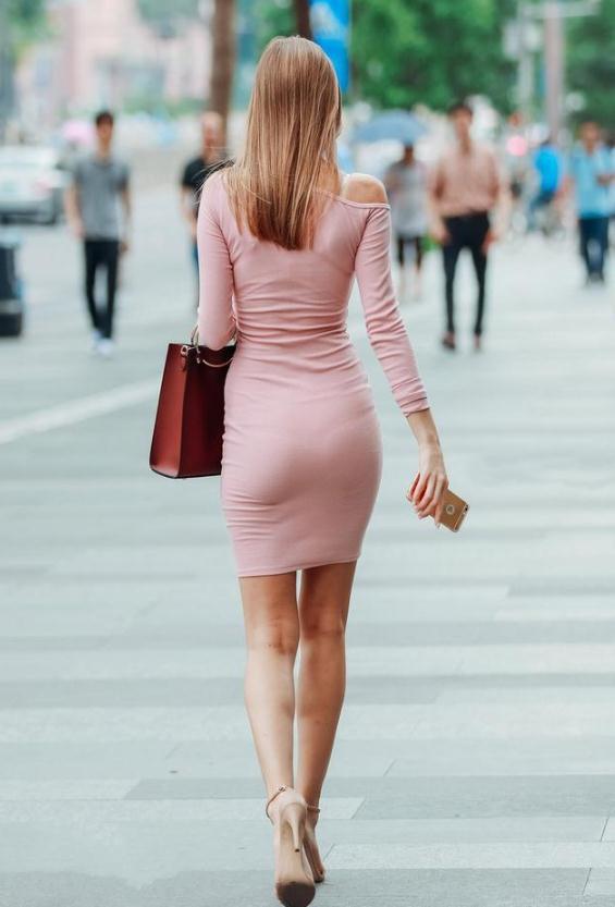 身姿一袭背影包臀裙,曼妙的美女,尽显迷人粉色!宁敏美女图片