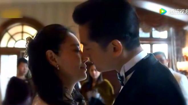 和赵薇同年 遭前夫家暴离婚后才出名 演技被斯琴高娃老师认可