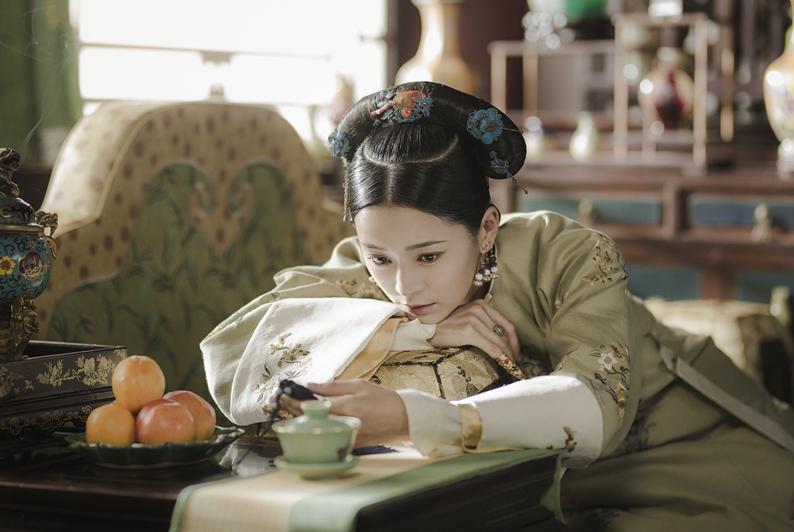 凭《延禧》走红的王媛可,因林心如一个小举动,在节目上哽咽感谢