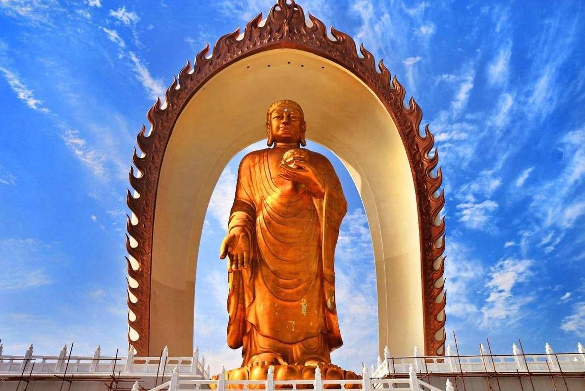 全球最高的金佛像:用48千克黄金镀金,耗资10亿元,就在中国!