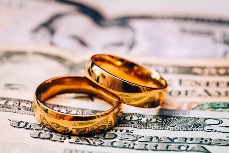 这位即将离婚的加国女人,将数万财产拿去赌博,但老公更关心的是…