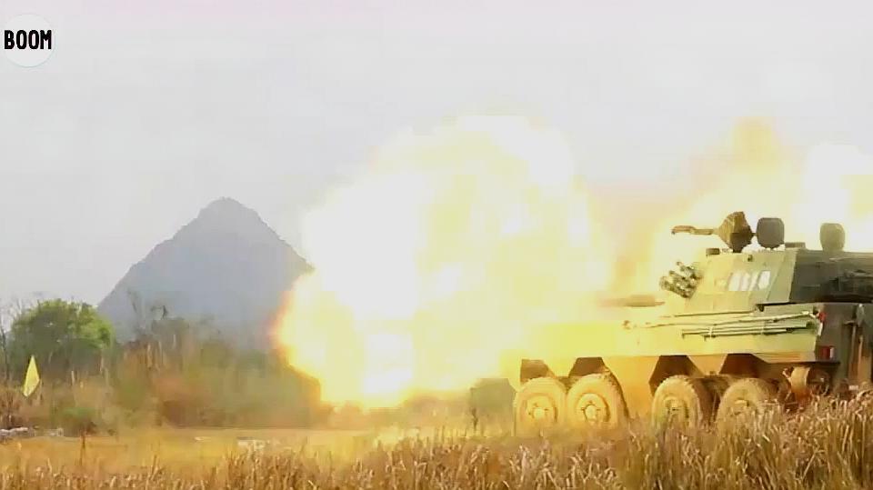 稳!准!狠!解放军八轮122毫米自行火炮展示直瞄射击