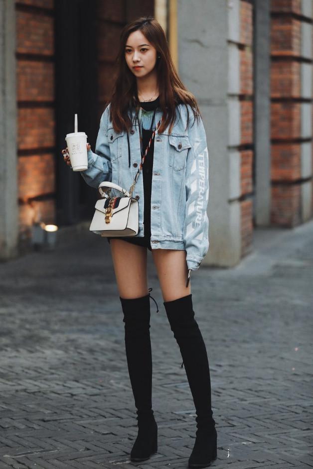 超级大黑屌狂操亚洲小美女_街拍:长发美女,身材凹凸有致,白皙大长腿,非常迷人