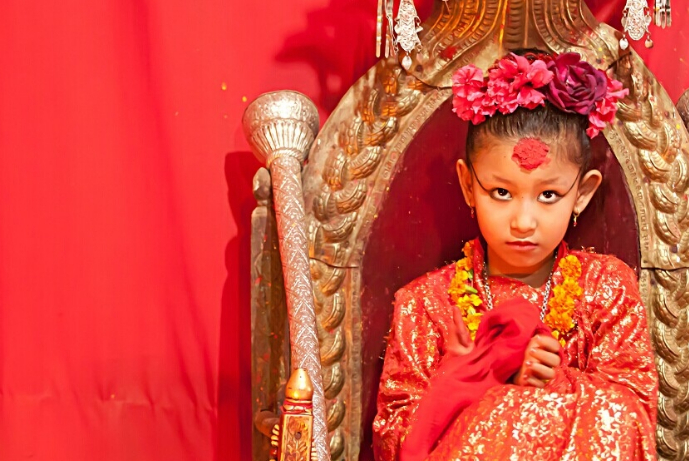 """尼泊尔的""""活女神"""",表面上高贵,却有常人无法体会的心酸和无奈"""