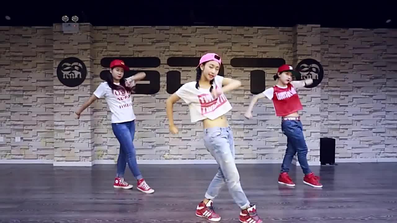 儿童舞蹈学习教程:《踩踩踩》
