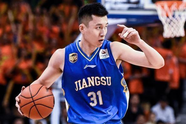全华班首发+主教练缺席,江苏放弃比赛惹争议,广东两节领先33分