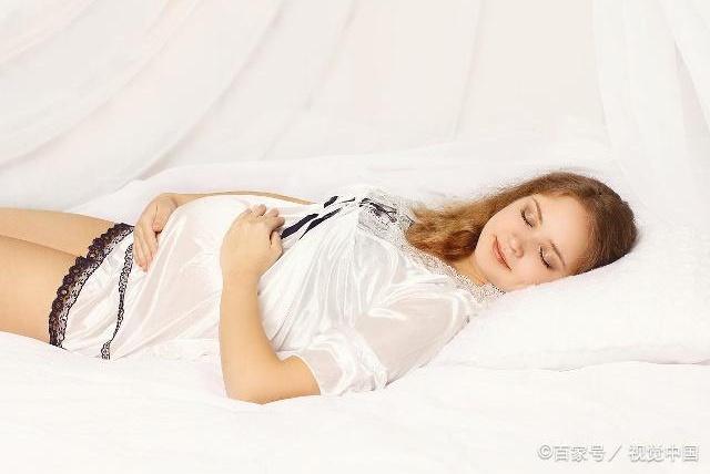 怀孕一个多月能平躺睡吗?顺利度过孕早期,这4个方面要注意
