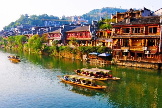 """中国""""最作的""""景区,游客多收取高额门票,如今没游客又免费?"""