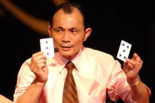一代赌王尧建云:90年代,8000万,双腿,三根手指,反赌被追杀