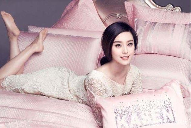拥有王祖贤的眼,刘亦菲的嘴,还有范冰冰的脸,她长这样