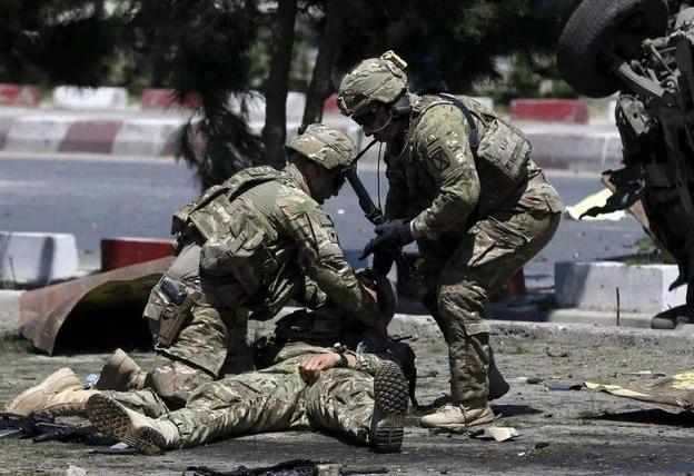 真的假的?刚在阿富汗发动的突袭行动中,美军救走40名IS头目