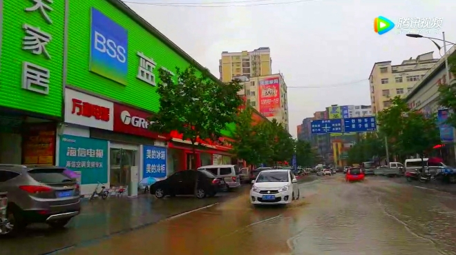 暴雨5分钟,洛阳小城成水城