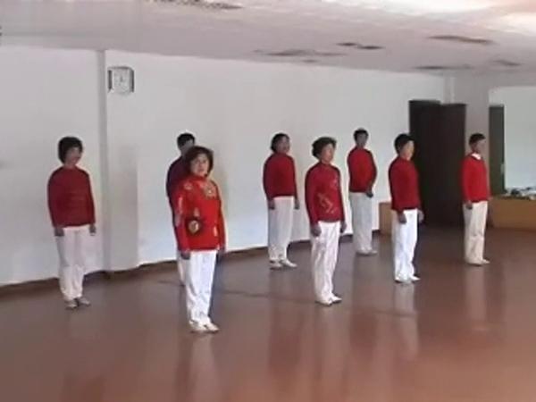 狂操中年女人视频_中年人体操视频 老人健身操