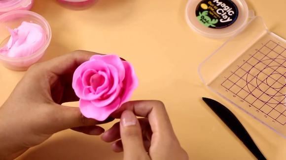 03:03 折玫瑰花步骤教程 百合花的折法步骤 03:00 手工折玫瑰花 丝带