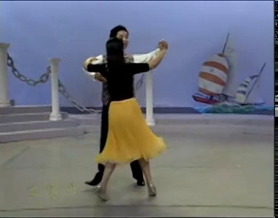 交际舞慢三花样_学跳舞基本步慢三 交谊舞慢三步 交谊舞北京平四教学