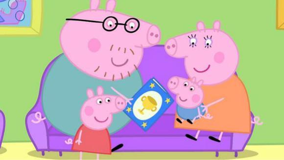 04:56 粉红猪小妹驾驶托马斯小火车 小猪佩奇开汽车 06:08