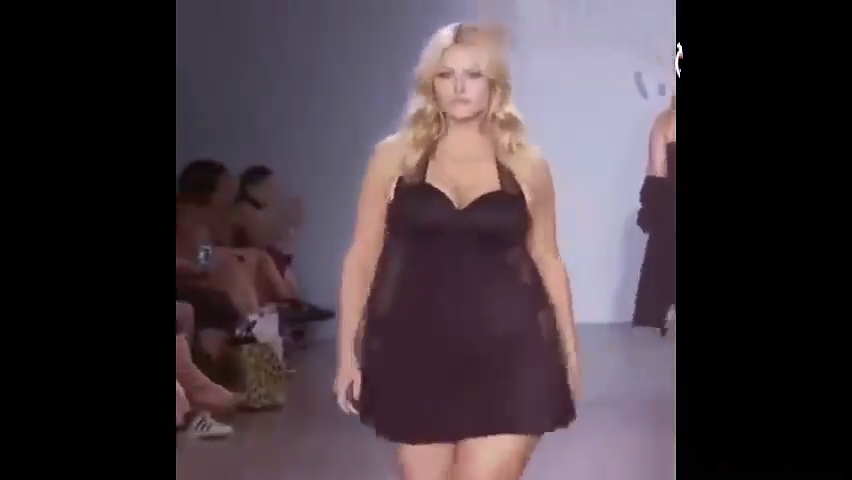女人丰满肥白的肉体_真是丰满啊!这种时装秀看完一遍想看第二遍