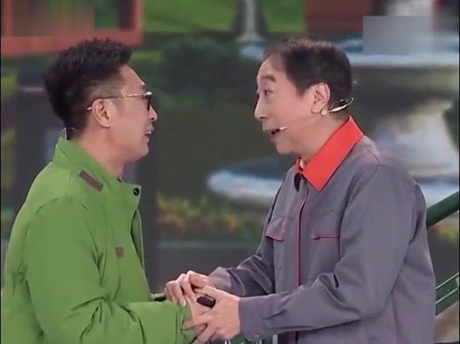 林永健和冯巩互相损,后面跑出来个普通话不标准的逗逼,经典小品