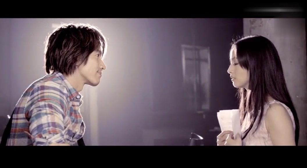 五月天现场版《拥抱》,言承旭与林依晨倾情相助,看得好感动