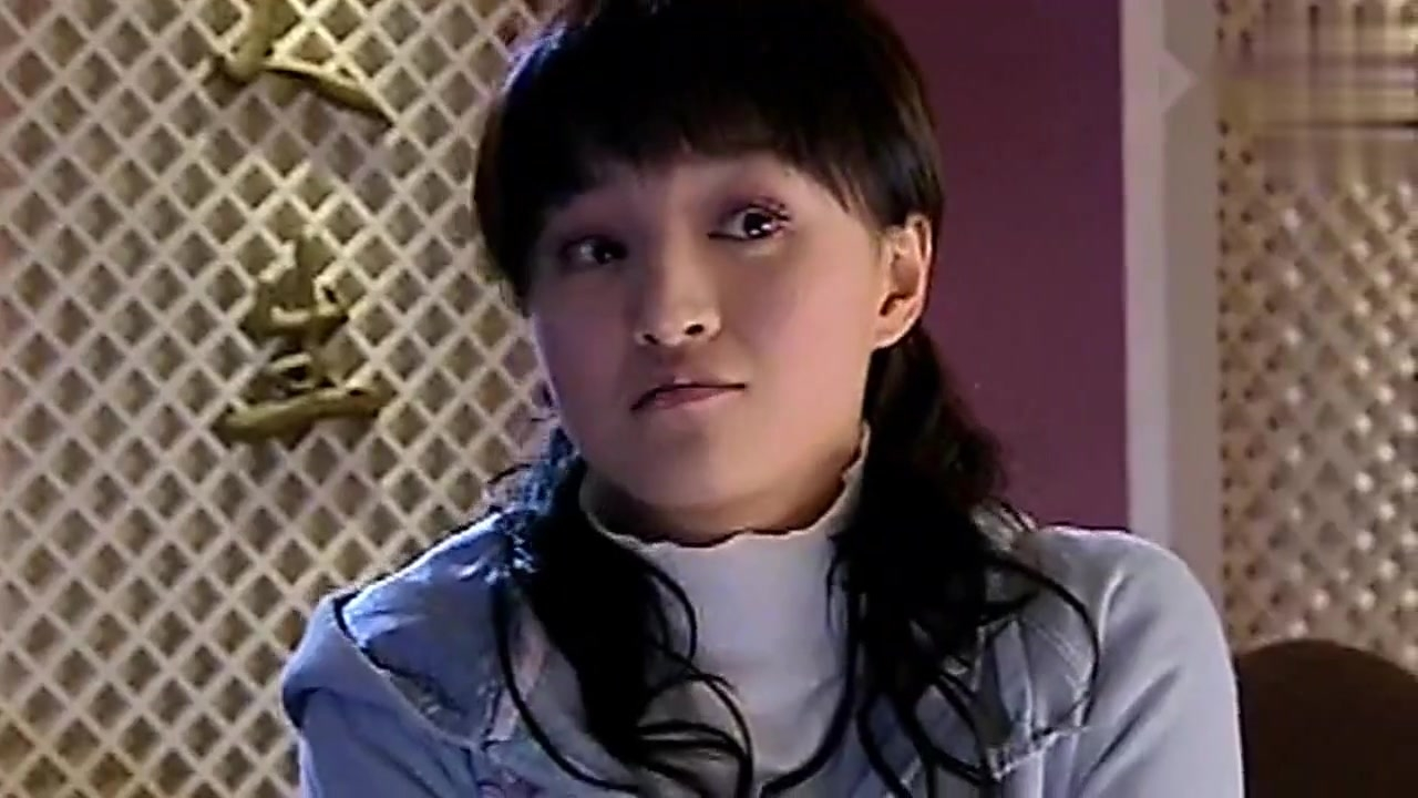 曾经和赵薇出演《情深深雨蒙蒙》,酷似杨蓉,但一直不火至今销声