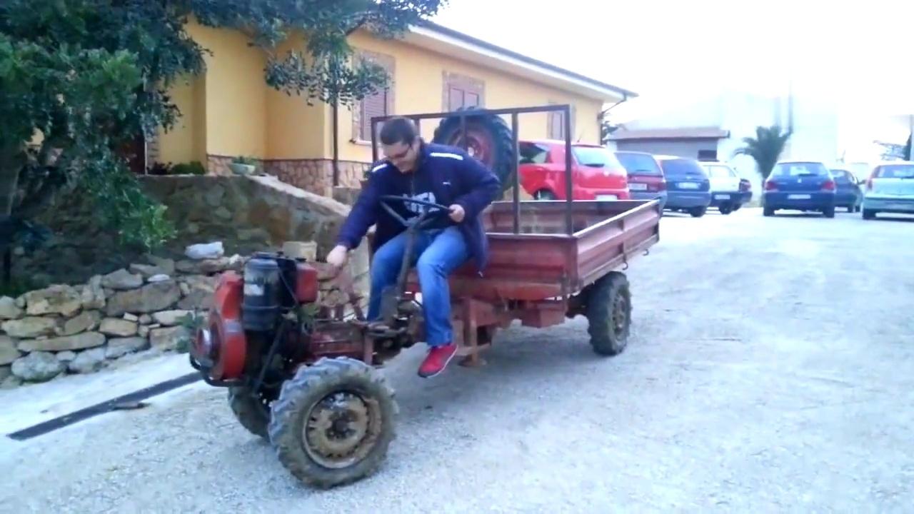 14马力的老式农用拖拉机,发动机声音还不错图片