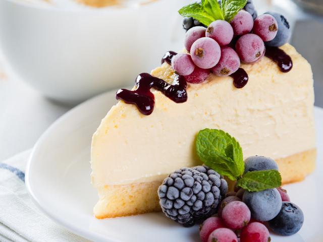 蛋糕和小甜点,味道浓郁,制作需要很多食材