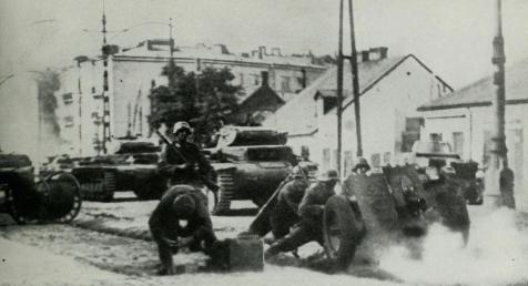 """波兰人死守华沙城""""感动""""德军,破城后军官被准许保留军刀-"""