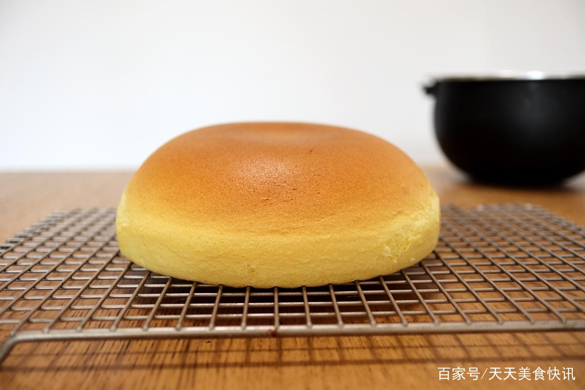 不需要烤箱!微波炉就能做戚风蛋糕,比外面买的更健康